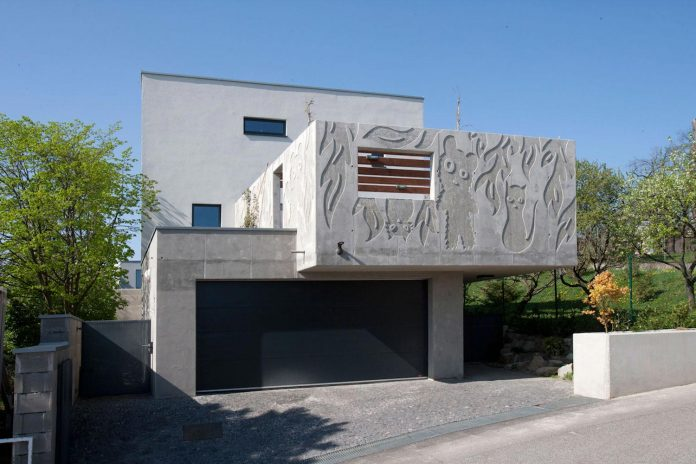modern-concrete-villa-inga-designed-architekti-sebo-lichy-02