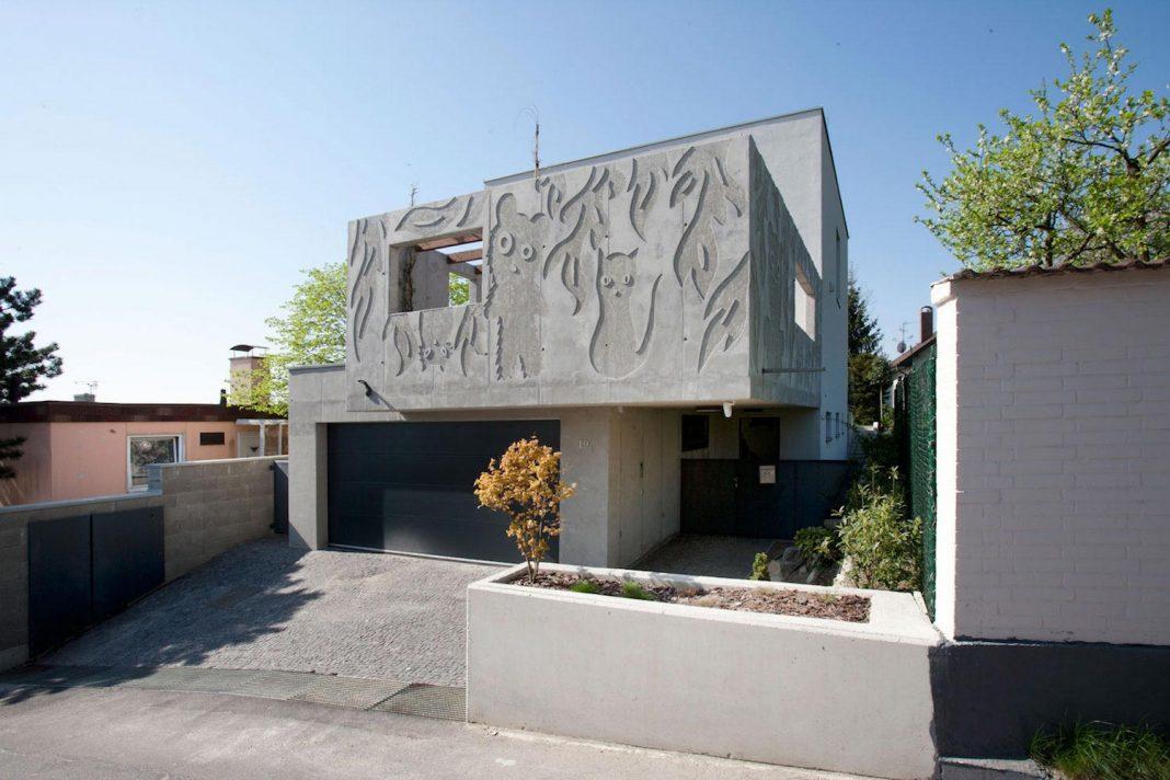 Modern concrete villa inga designed by architekti ebo for Modern residences