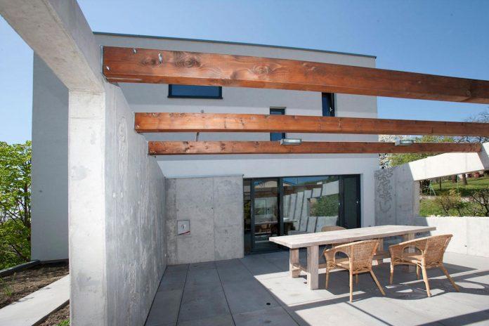 modern-concrete-villa-inga-designed-architekti-sebo-lichy-08