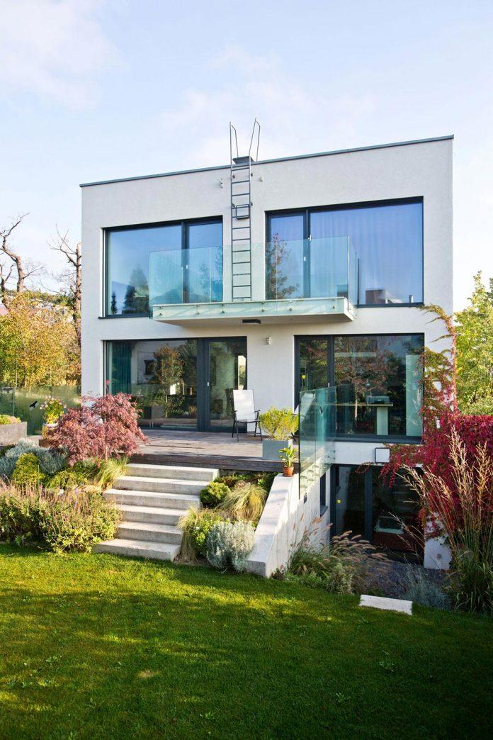 modern-concrete-villa-inga-designed-architekti-sebo-lichy-10