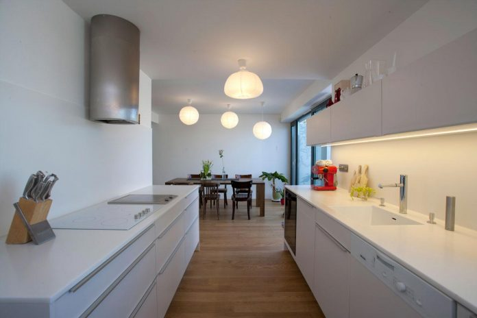 modern-concrete-villa-inga-designed-architekti-sebo-lichy-15