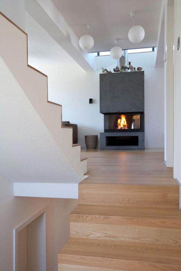 modern-concrete-villa-inga-designed-architekti-sebo-lichy-16