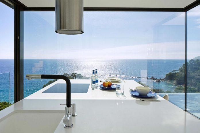 modern-mediterranean-vivienda-en-el-emporda-sea-front-villa-anna-podio-arquitectura-05