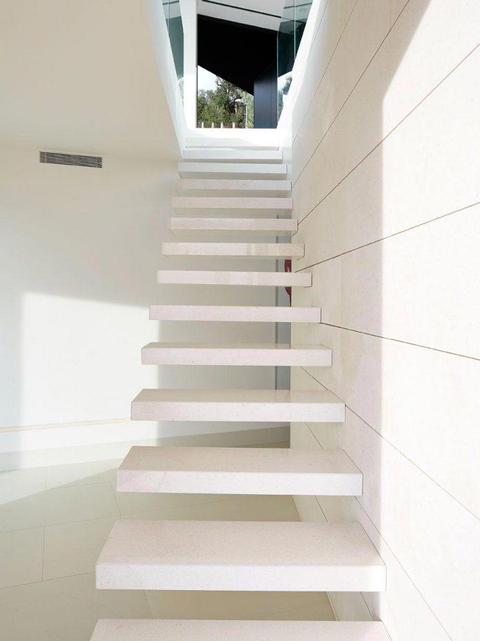 modern-mediterranean-vivienda-en-el-emporda-sea-front-villa-anna-podio-arquitectura-06