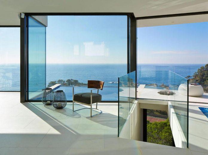modern-mediterranean-vivienda-en-el-emporda-sea-front-villa-anna-podio-arquitectura-07
