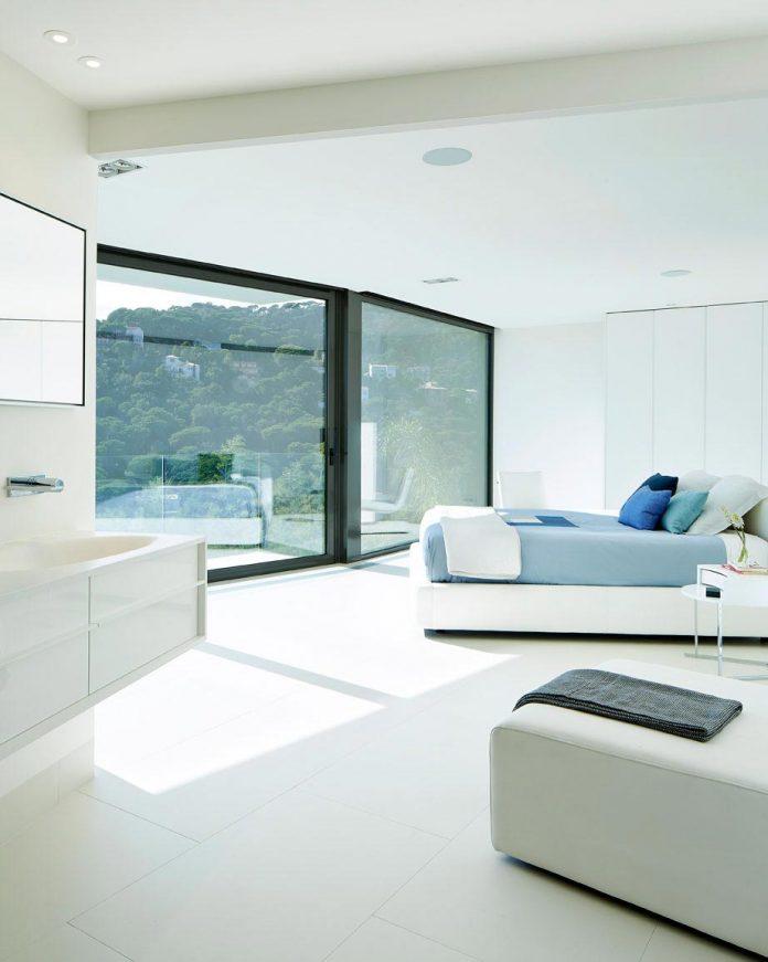 modern-mediterranean-vivienda-en-el-emporda-sea-front-villa-anna-podio-arquitectura-08