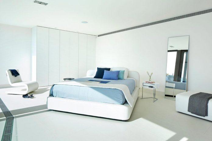 modern-mediterranean-vivienda-en-el-emporda-sea-front-villa-anna-podio-arquitectura-09