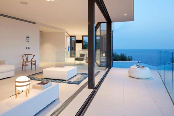 modern-mediterranean-vivienda-en-el-emporda-sea-front-villa-anna-podio-arquitectura-10