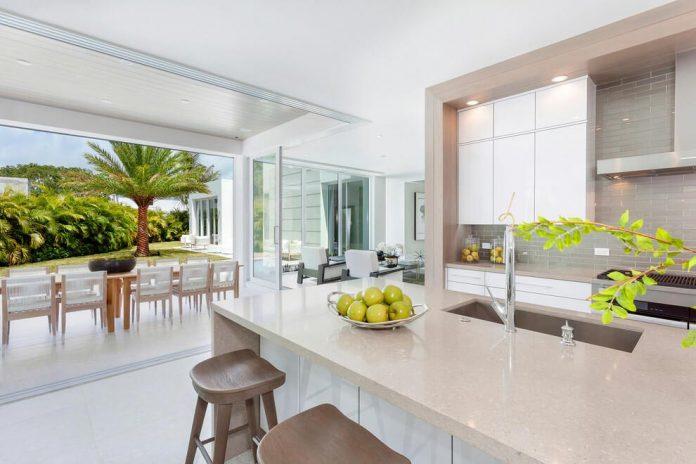 modern-single-family-house-located-delray-beach-florida-designed-ibi-designs-03