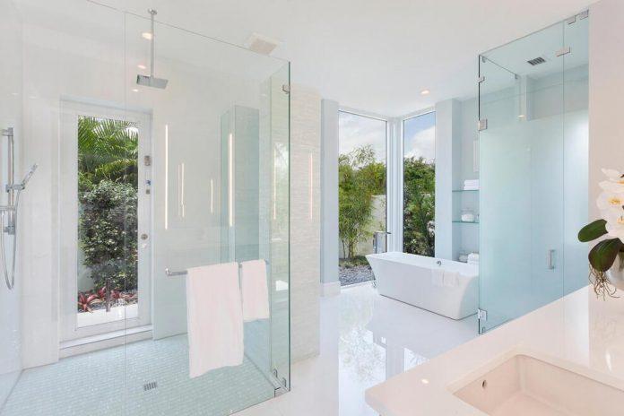 modern-single-family-house-located-delray-beach-florida-designed-ibi-designs-07