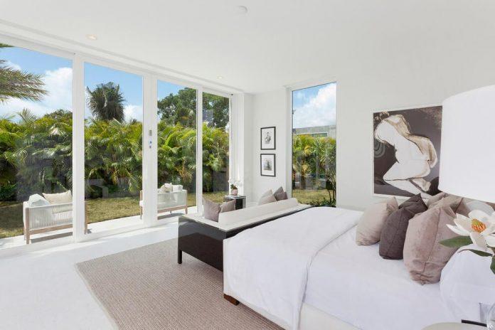 modern-single-family-house-located-delray-beach-florida-designed-ibi-designs-08