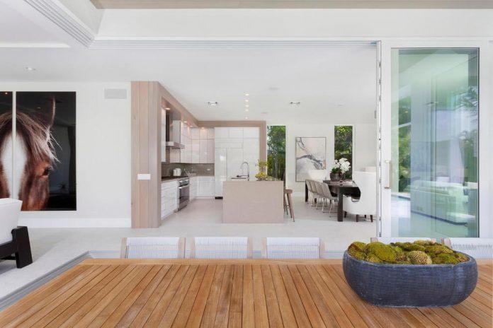 modern-single-family-house-located-delray-beach-florida-designed-ibi-designs-09