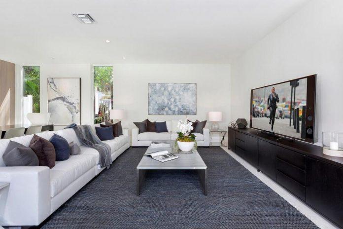 modern-single-family-house-located-delray-beach-florida-designed-ibi-designs-10