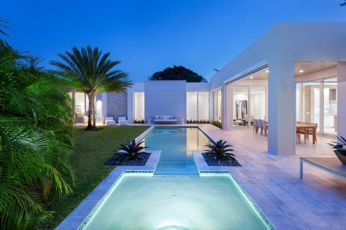 Modern single family house located in delray beach for Modern single family homes