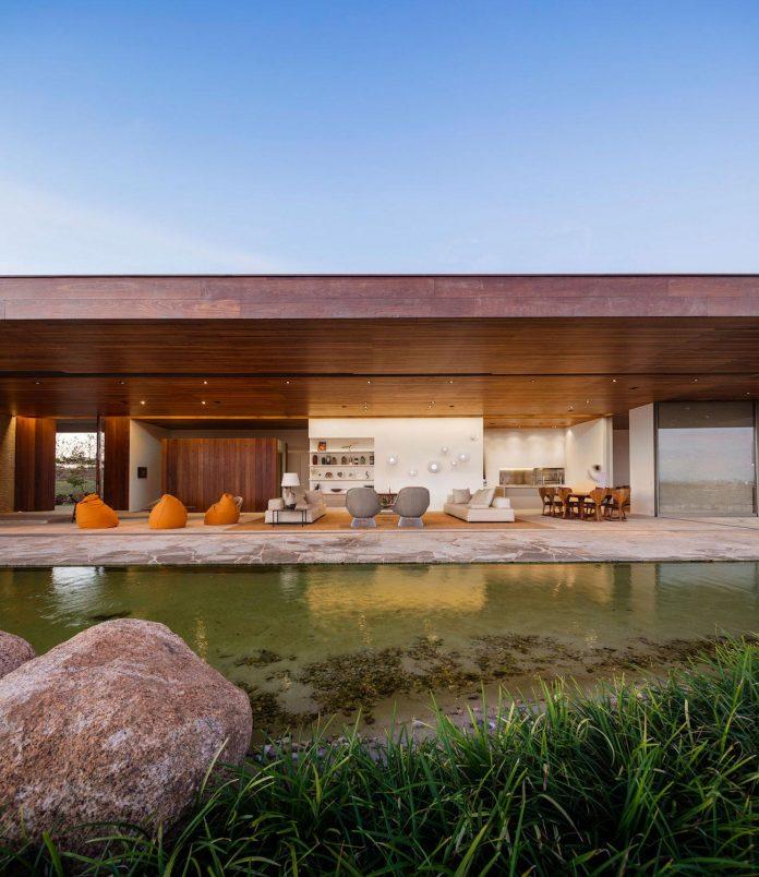 ms-contemporary-summer-house-studio-arthur-casas-02