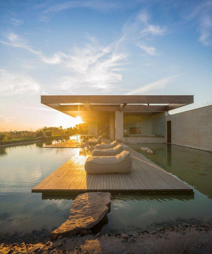 ms-contemporary-summer-house-studio-arthur-casas-04