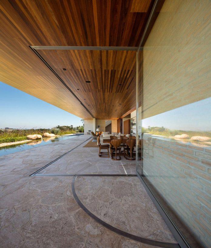 ms-contemporary-summer-house-studio-arthur-casas-05