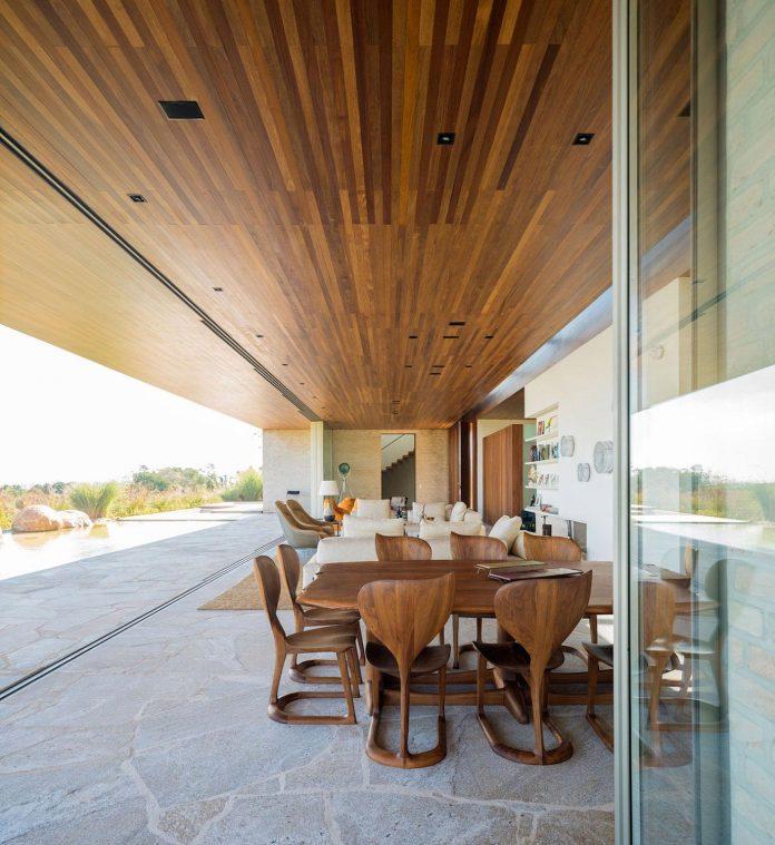 ms-contemporary-summer-house-studio-arthur-casas-06