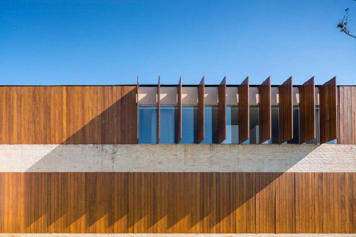 ms-contemporary-summer-house-studio-arthur-casas-12