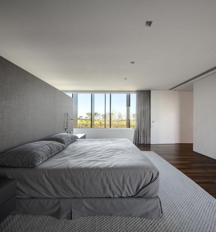 ms-contemporary-summer-house-studio-arthur-casas-13
