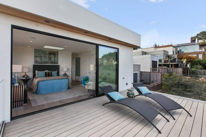 noe-valley-sleek-modern-home-san-francisco-skyline-views-favreau-design-02