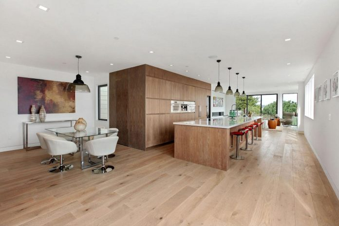 noe-valley-sleek-modern-home-san-francisco-skyline-views-favreau-design-06