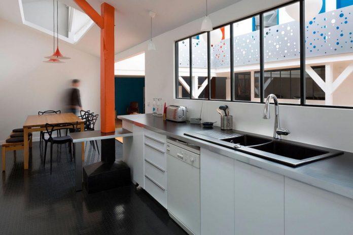 old-carpentry-turned-chic-contemporary-loft-paris-agnes-et-agnes-04