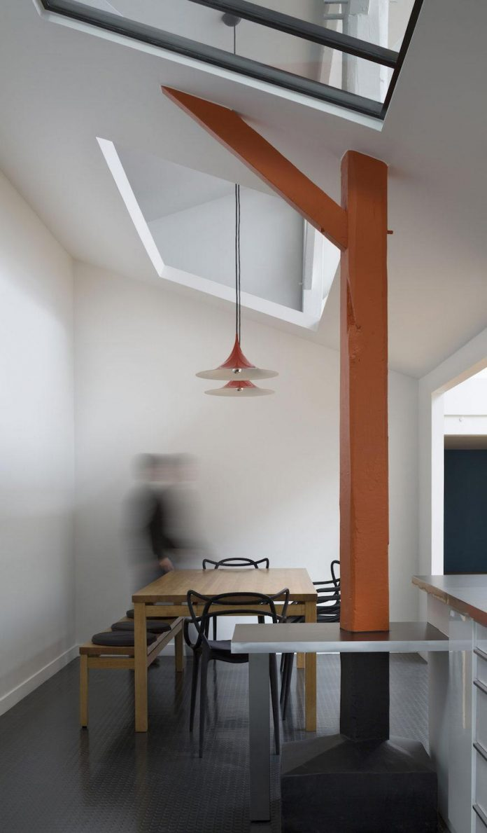 old-carpentry-turned-chic-contemporary-loft-paris-agnes-et-agnes-05