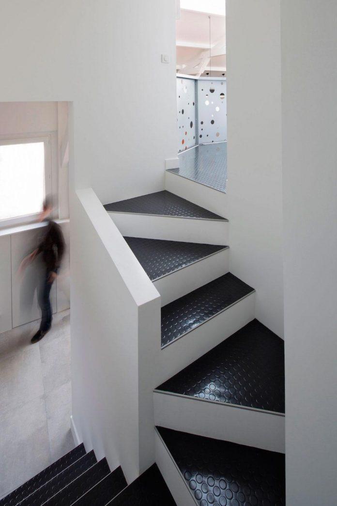 old-carpentry-turned-chic-contemporary-loft-paris-agnes-et-agnes-08