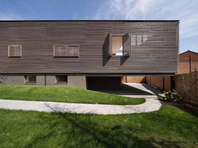 oleg-drozdov-design-ark-residence-providing-member-family-autonomous-spaces-02
