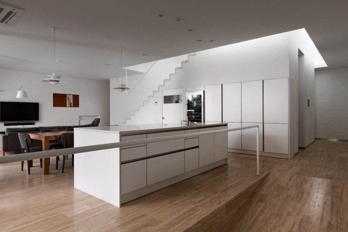 oleg-drozdov-design-ark-residence-providing-member-family-autonomous-spaces-09