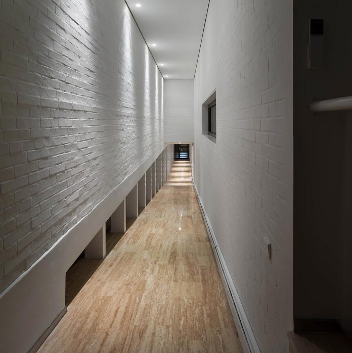 oleg-drozdov-design-ark-residence-providing-member-family-autonomous-spaces-10