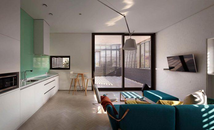 oleg-drozdov-design-ark-residence-providing-member-family-autonomous-spaces-11