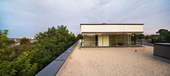 oleg-drozdov-design-ark-residence-providing-member-family-autonomous-spaces-14