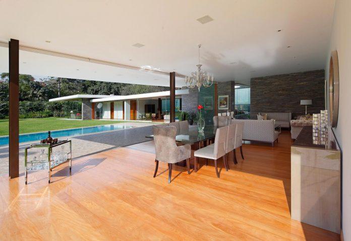 one-story-l-shaped-casa-lineal-lima-peru-designed-metropolis-oficina-de-arquitectura-09