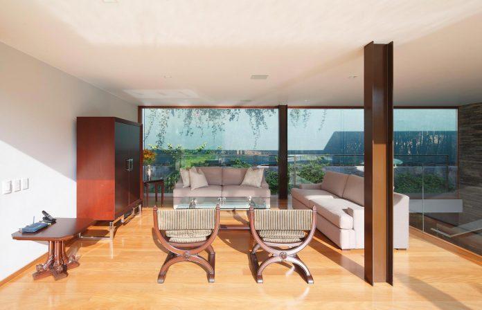 one-story-l-shaped-casa-lineal-lima-peru-designed-metropolis-oficina-de-arquitectura-13