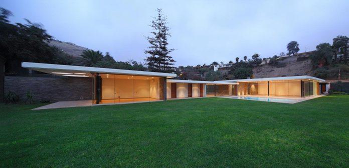 one-story-l-shaped-casa-lineal-lima-peru-designed-metropolis-oficina-de-arquitectura-16