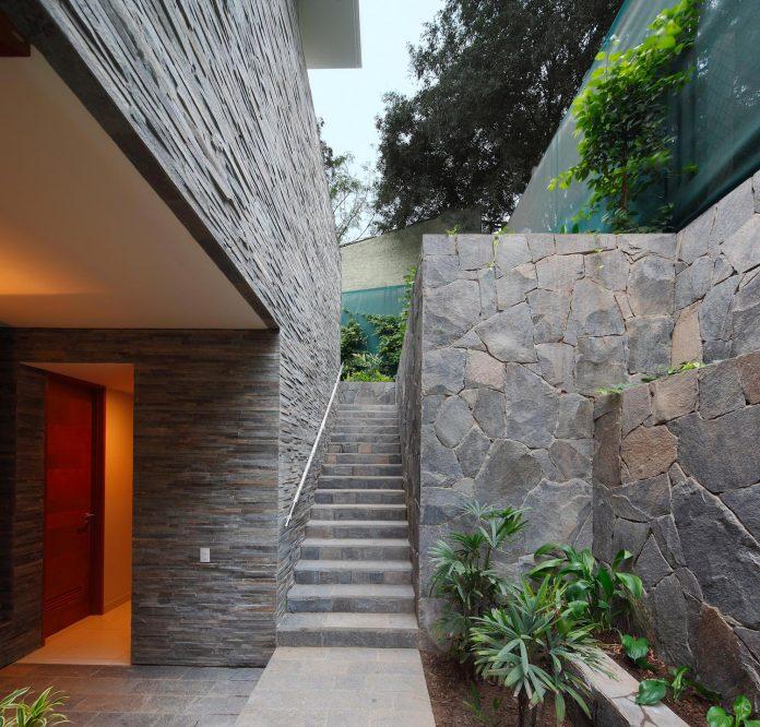 one-story-l-shaped-casa-lineal-lima-peru-designed-metropolis-oficina-de-arquitectura-17
