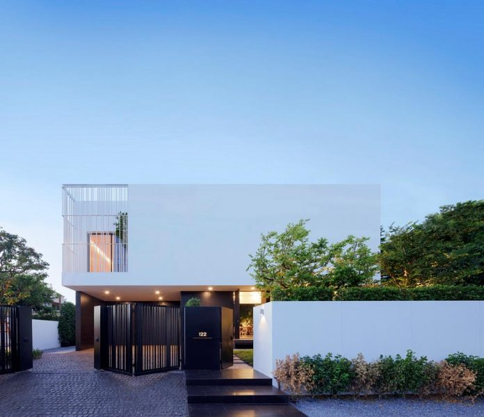 pk79-modern-residence-bangkok-thailand-ayutt-associates-design-01