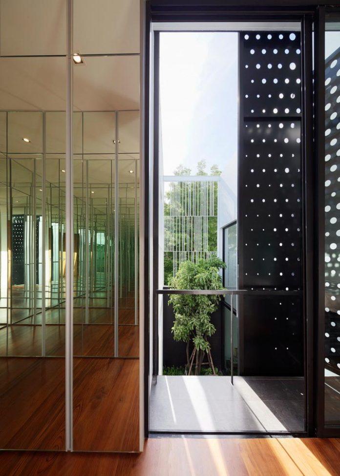 pk79-modern-residence-bangkok-thailand-ayutt-associates-design-23