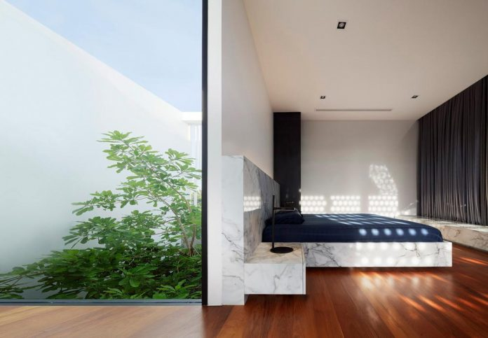 pk79-modern-residence-bangkok-thailand-ayutt-associates-design-25