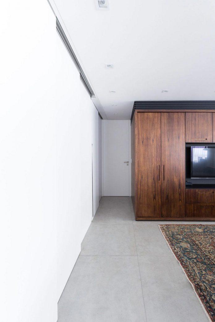 plaza-minimalist-apartment-designed-ambidestro-porto-alegre-brazil-01