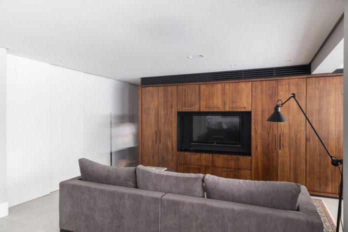 plaza-minimalist-apartment-designed-ambidestro-porto-alegre-brazil-04