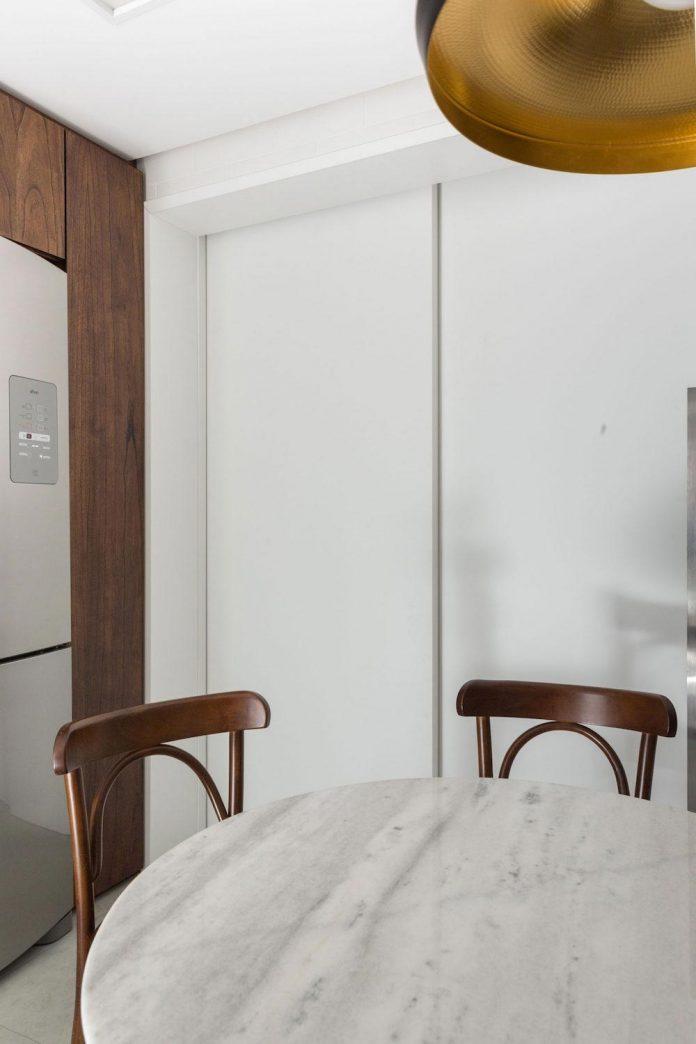 plaza-minimalist-apartment-designed-ambidestro-porto-alegre-brazil-14