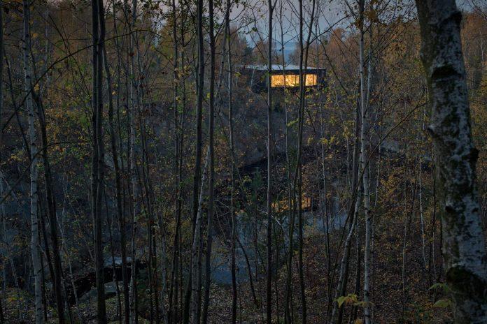 prototype-family-house-built-former-granite-quarry-posazavi-czech-republic-a69-architekti-01