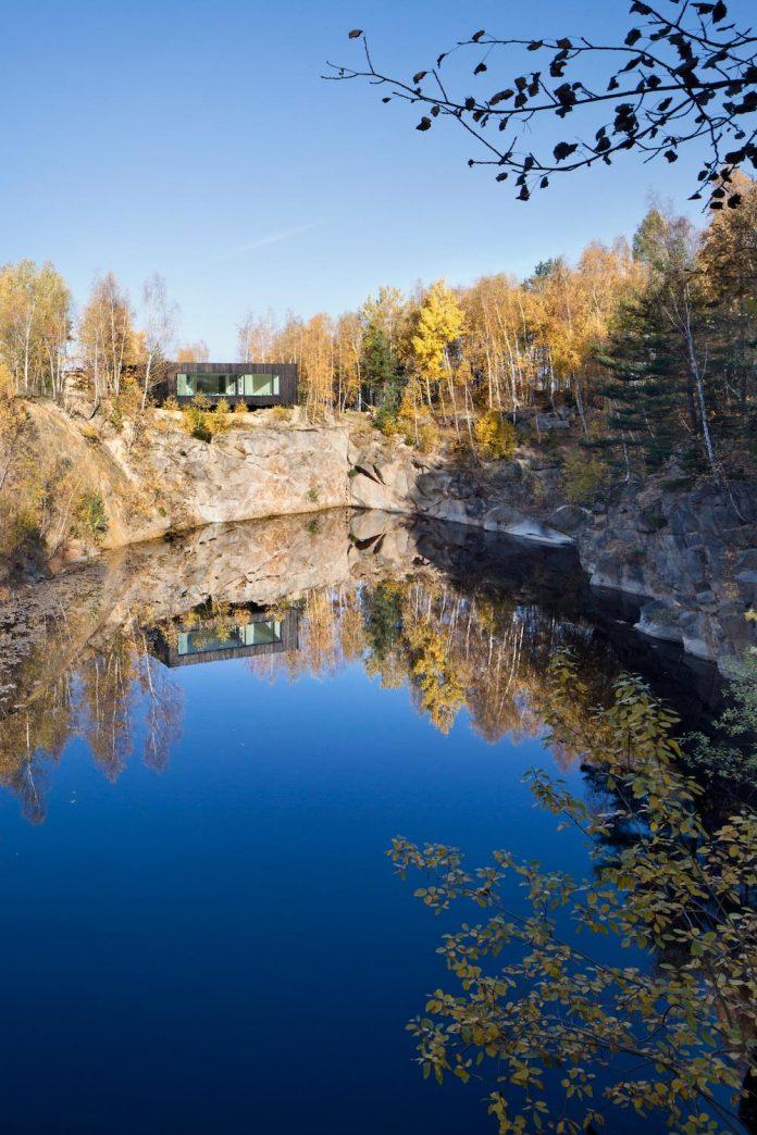 prototype-family-house-built-former-granite-quarry-posazavi-czech-republic-a69-architekti-06