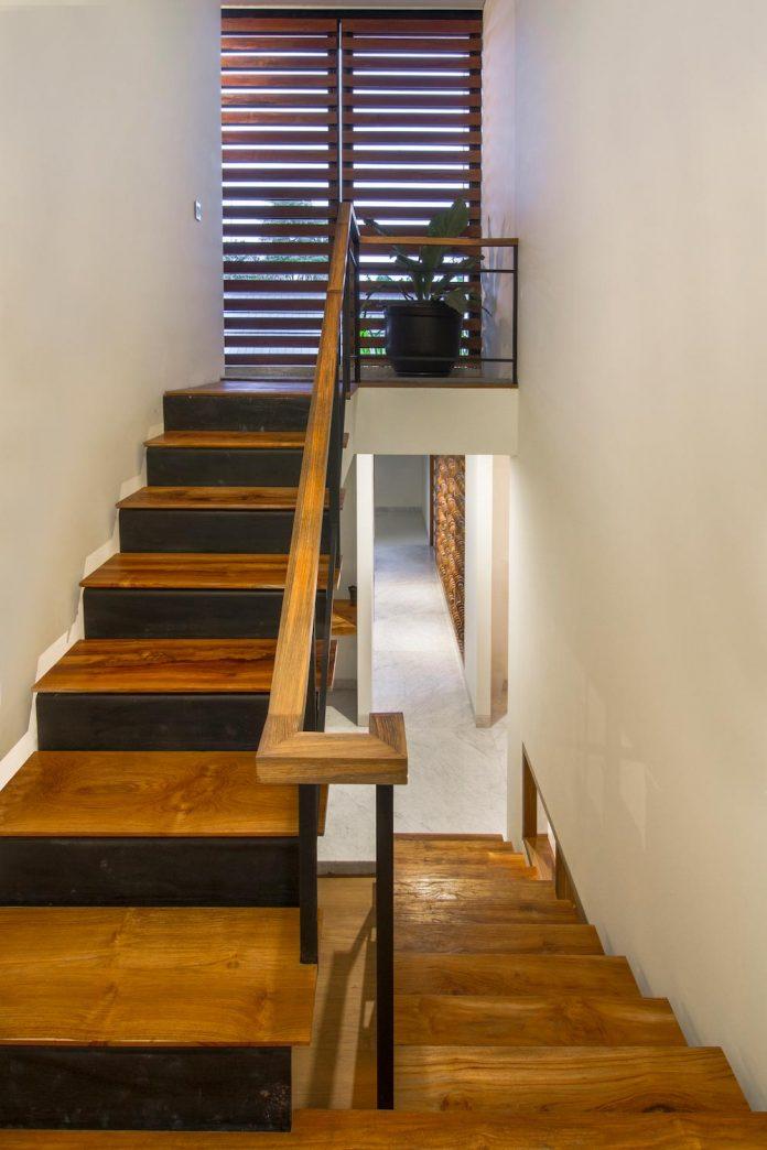 prv-a131-modern-contemporary-house-long-east-facing-land-parcel-e-re-studio-09