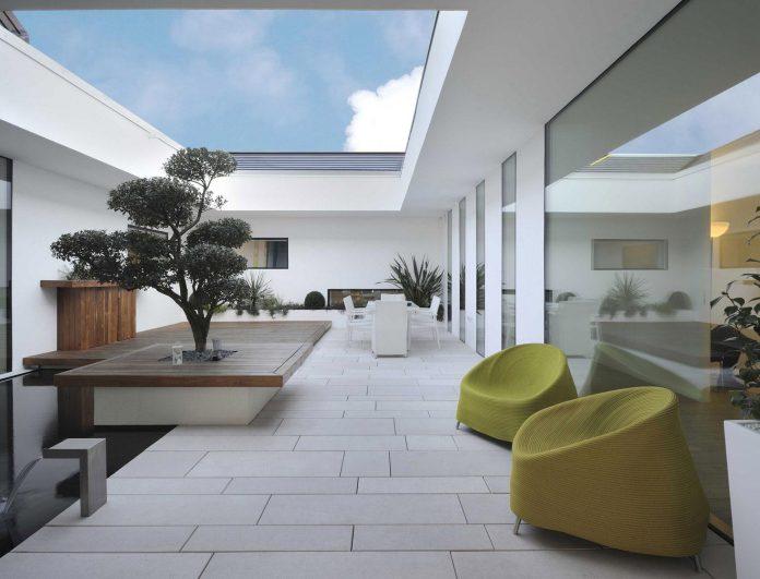 renovation-expansion-house-light-porto-viro-italy-davide-ferro-02