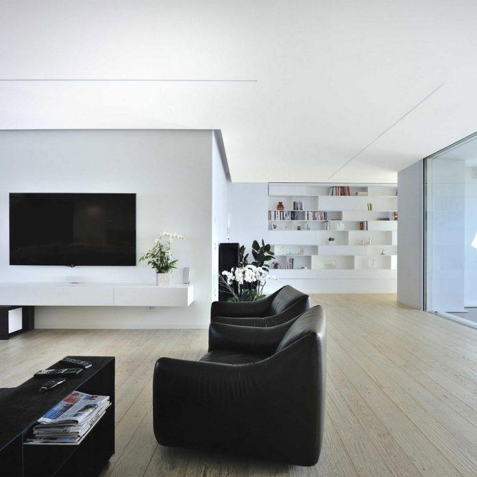 renovation-expansion-house-light-porto-viro-italy-davide-ferro-04
