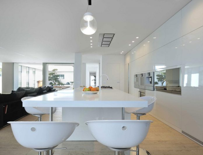 renovation-expansion-house-light-porto-viro-italy-davide-ferro-06